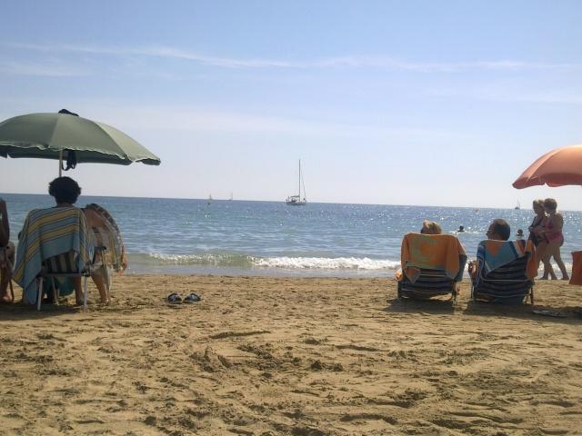Tilbaketrukket på stranden